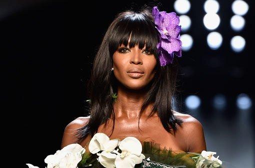 Naomi Campbell krönt Gaultier-Schau
