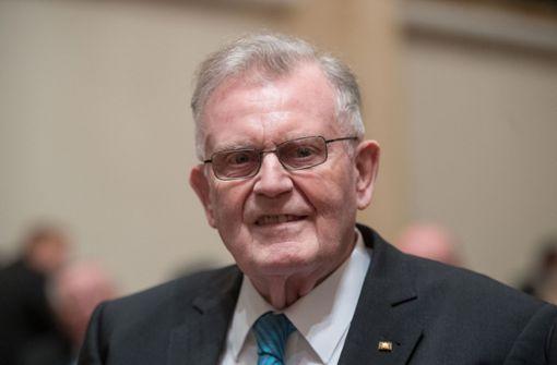 Die früheren Ministerpräsidenten Erwin Teufel... Foto: dpa