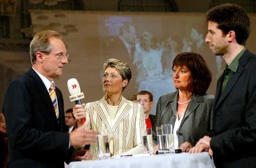 OB Wolfgang Schuster (CDU) und Boris Palmer (Grüne, rechts) im Fernseh-Wahlkampf des Jahres 2004. Dazwischen stehen SWR-Moderatorin Jaquline Stuhler und SPD-Kandidatin Ute Kumpf Foto: Kraufmann