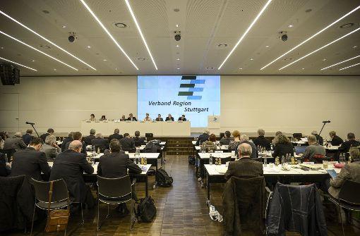 Regionsstreit: Räte vertagen Entscheidung