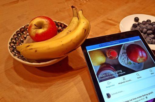 Vor dem Urlaub liegen daheim vielleicht noch ein paar Bananen und Äpfel rum. Wie wäre es, sie zu verschenken? Foto: Amadeus Banerjee