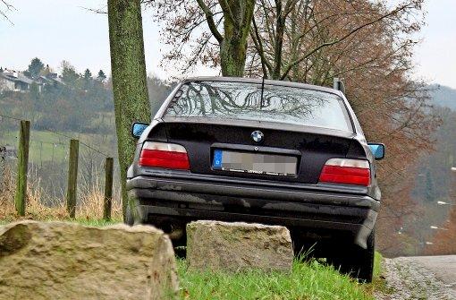 An der Kirschenallee in Hohenheim wird mitunter wild geparkt. Foto: Archiv Sägesser