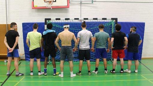 Breite Rücken, feine Füßchen: die Spieler der JVA Adelsheim haben das vollzugsinterne Turnier in Heimsheim gewonnen Foto: Mayer