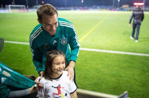 DFB-Team zeigt versprochene Fannähe