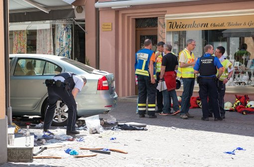 Unfallwagen wird auf technischen Defekt geprüft
