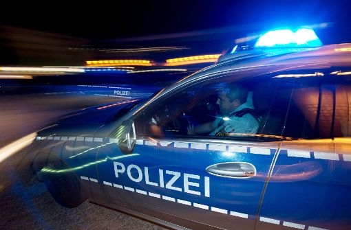 Die Polizei meldet eine mutmaßliche Geiselnahme in Berlin. Foto: dpa