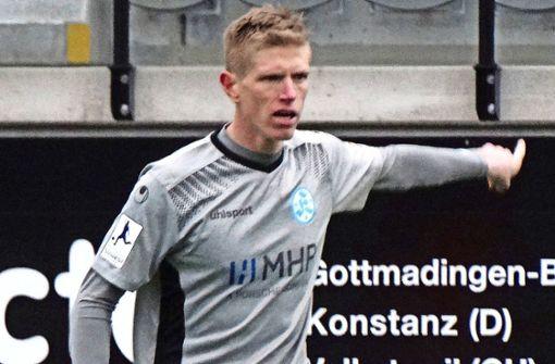 Gibt nun seine Kommandos bei den Stuttgarter Kickers: Innenverteidiger Tobias Feisthammel. Foto: SVK