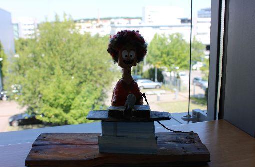 Auch in seinem Büro waren die kreativen Arbeiten des Bhz zu sehen. Foto: Torsten Ströbele