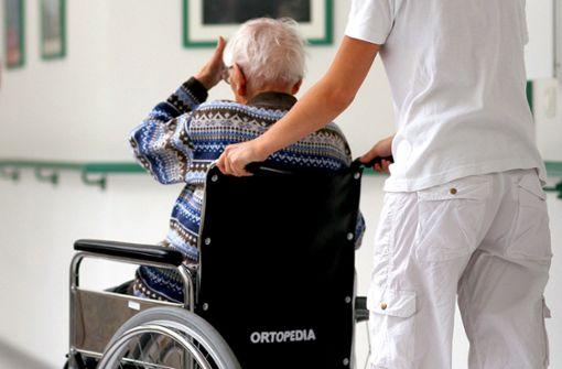 Dekra bildet  Pfleger  aus dem Ausland  aus