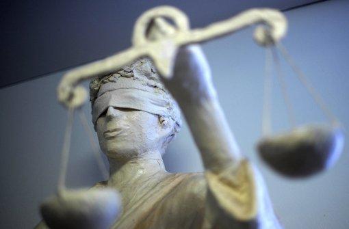 S-21-Gegner sind vom Amtsgericht wegen Hausfriedensbruchs bestraft worden Foto: dpa