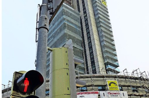 Gewa-Tower: Derzeit steht   die Ampel auf Rot. Foto: Michael Käfer