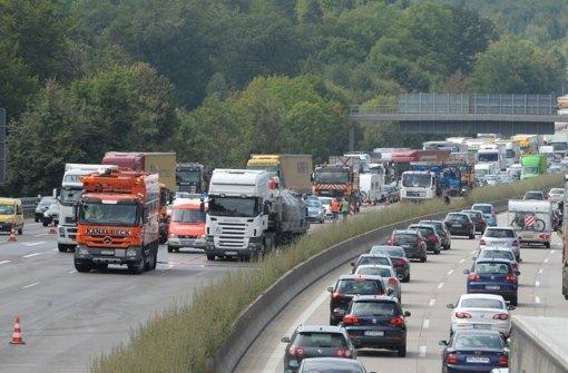Platz 1: Die A8/A 81 zwischen Kreuz Stuttgart und Dreieck Leonberg wird täglich von rund 150 000 Pkw und Lkw befahren. Foto: dpa