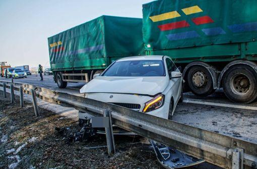 Am Mittwoch kam es auf der A81 zu einem schweren Unfall. Foto: SDMG