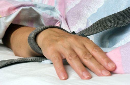 Eine Fixierung gilt als sogenannte besondere Sicherungsmaßnahme. Sie ist in Paragraf 25 des baden-württembergischen Psychisch-Kranken-Hilfe-Gesetz (PsychKHG) geregelt. Foto: dpa