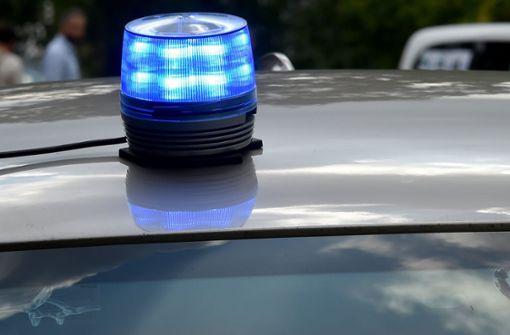 Mann gibt sich als Polizist aus und kontrolliert wegen angeblichen Terrorverdachts