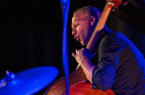 Bassist Avishai Cohen bringt Tradition ins Spiel
