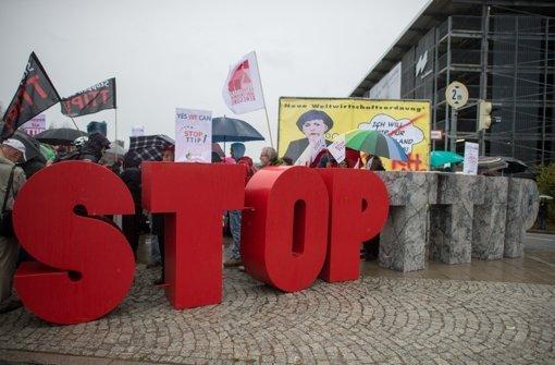 Proteste gegen das Freihandelsabkommen werden von Campact organisiert. Foto: dpa