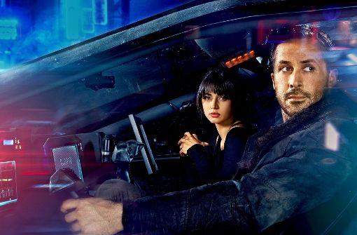 "Ana de Armas und Ryan Gosling in ""Blade Runner 2049"" Foto: Warner Bros. Entertainment Inc."