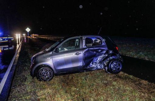 Zwei Verletzte und hoher Schaden bei Verkehrsunfall