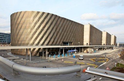 Station f r fernreisebusse bus terminal pfingsten fertig for Neue architektur stuttgart