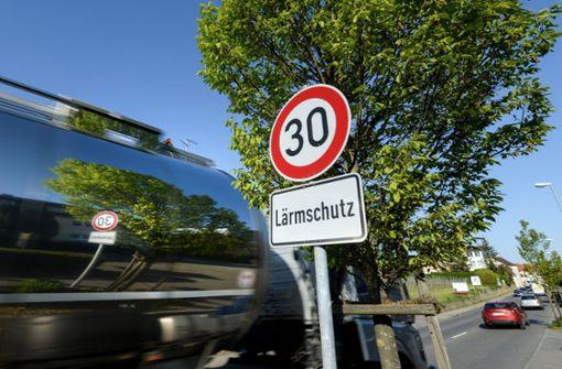 Kommunen müssen mehr gegen Verkehrslärm tun