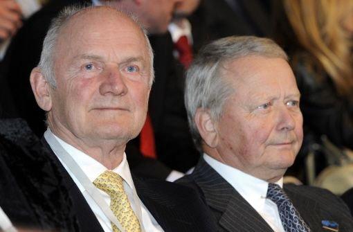 Die Staatsanwaltschaft Stuttgart ermittelt nun auch gegen den kompletten früheren Aufsichtsrat der Porsche-Dachgesellschaft Porsche SE. Damit geraten auch so prominente Namen wie Ferdinand Piëch (links) und Wolfgang Porsche ins Visier der Ermittler.  Foto: dpa