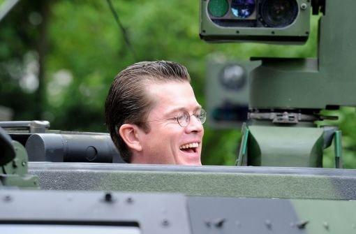 Guttenberg schafft neue Armee