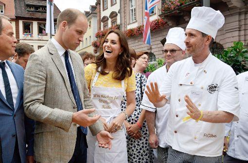 Kate und William bekommen Schnupperkurs im Brezelbacken