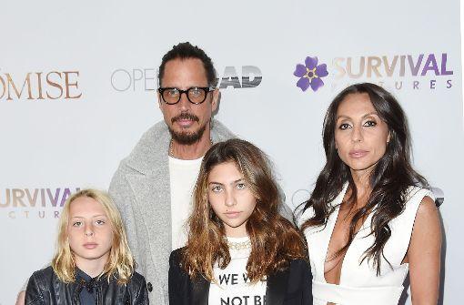 Chris Cornell mit seiner Frau und seinen beiden Kindern. Foto: GETTY IMAGES NORTH AMERICA