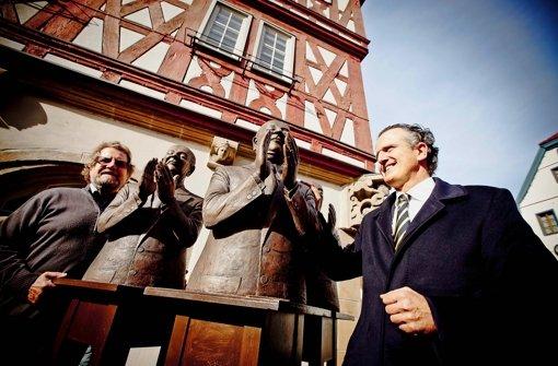 """Guido Messer hat seine Skulptur in Backnang """"Die Claque"""" getauft"""