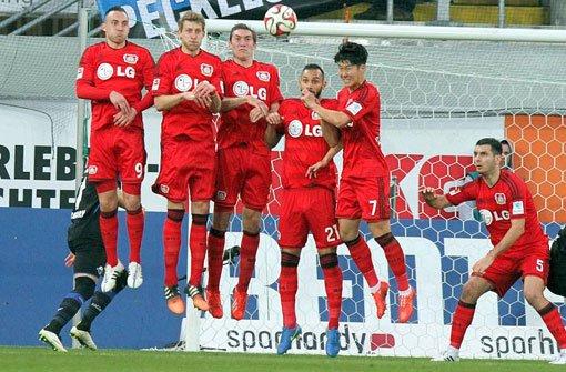 Leverkusen gewinnt 3:0 in Paderborn