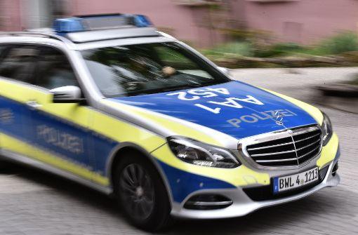 Betrunkener belästigt Frau in Stadtbahn
