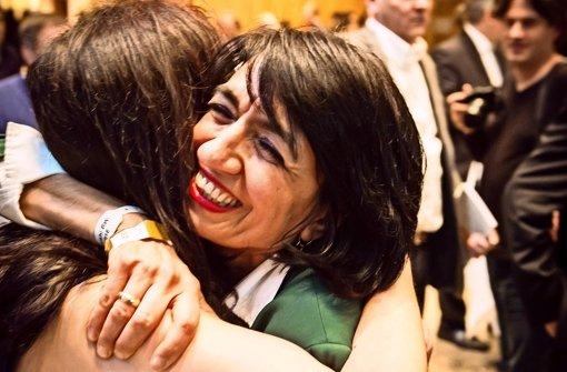 Muhterem Aras freut sich über ihren Wahlerfolg. Foto: Lichtgut/Achim Zweygarth