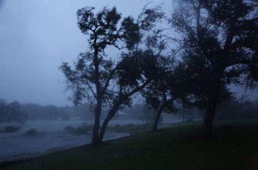 Der Sturm entfaltete Windgeschwindigkeiten von 150 Kilometern pro Stunde Foto: AP
