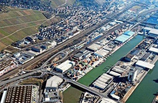 Die Fläche für den Containerumaschlag soll erweitert werden Foto: Arnim Kilgus
