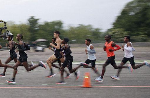 Kipchoge scheitert knapp am Marathon unter zwei Stunden
