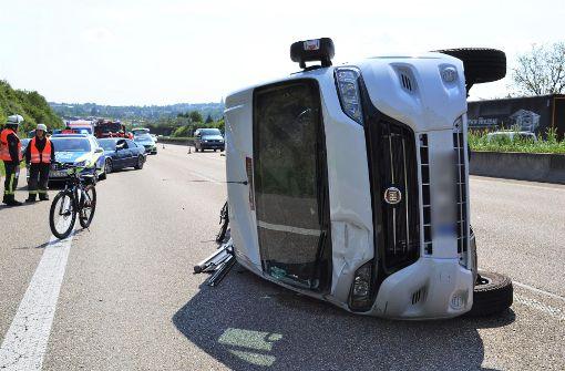 Unfälle | Wohnmobil umgekippt: Vier Verletzte auf der A8