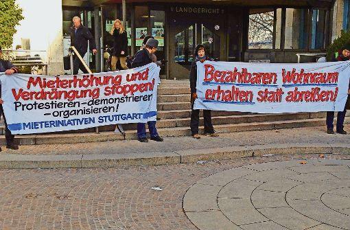 Kundgebung    während des Mietstreit-Prozesses um die Botnanger Beethovenstraße. Foto: StZ