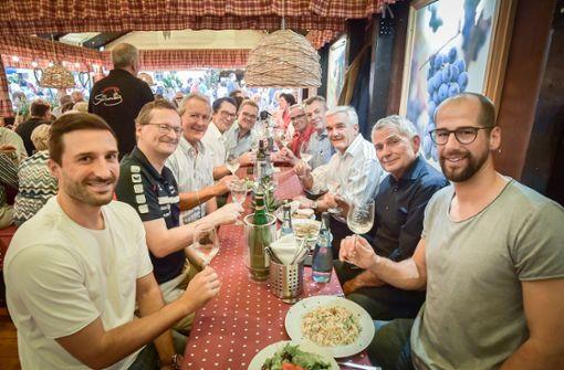 Mit dabei beim Sport-Gipfel: Jürgen Schweikardt (TVB Handball), Wolfgang Dietrich (VfB Stuttgart), Fred Stradinger (Sportkreis und CDU Stadtrat), Martin Maixner (Sportkreisjugend), Werner Koch (Vorstand Pro Stuttgart) (rechte Seite von rechts). Links: Sven Franzen (TVB Handball), Stefan Urbat (Stadtrat), Hans H Pfeifer (Stadtrat), Dominik Hermet (Sportkreis), Rolf Blind (Vorstand Pro Stuttgart). Foto: Lichtgut/Iannone