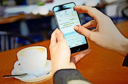 Streit um Datenweitergabe: Verbraucherschützer verklagen WhatsApp