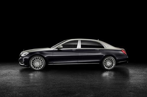 20 Zentimeter länger: Mit 5462 Millimetern und einem Radstand von 3365 Millimetern übertrifft das Flaggschiff der Mercedes-Benz-Modellpalette die S-Klasse Limousine. Foto: Daimler AG