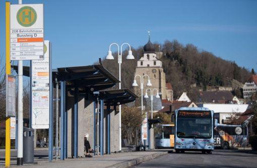 Kann ein kostenloser Busverkehr hilfreich für die Reduzierung der Stickoxid-Belastung sein? Herrenberg soll eine der Pilotkommunen sein. Foto: dpa