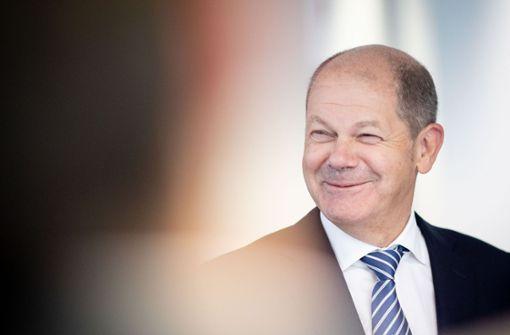 """Finanzminister Olaf Scholz hofft auf """"schwarze Null"""""""