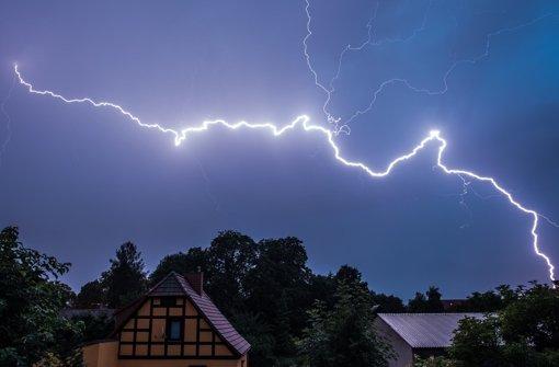 Rund 2000 Haushalte zeitweise ohne Strom