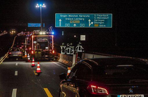 Der Unfall ereignete sich auf der Autobahn zwischen den Anschlussstellen Feuerbach und Zuffenhausen. Foto: SDMG
