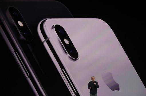 Das iPhone X kann in Silber oder Space Grau bestellt werden. Foto: GETTY IMAGES NORTH AMERICA