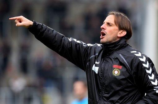 Ehrgeizig, akribisch und erfolgreich: Großaspach-Trainer Rüdiger Rehm Foto: Bm