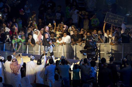 Halbnackte Wrestlerinnen sorgen für Eklat