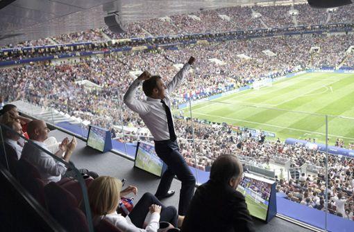 Jubelnder Emmanuel Macron wird zum Twitter-Hit