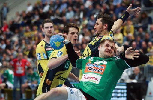 Kresimir Kozina (mit Ball) im Einsatz für Frisch Auf Göppingen Foto: Bongarts
